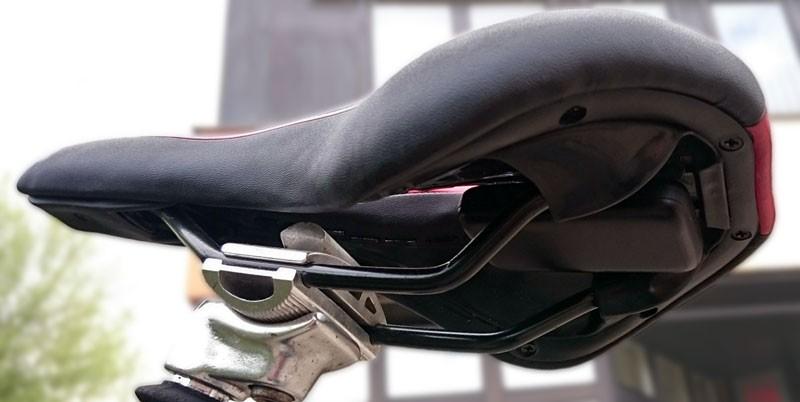 Fahrrad GPS-Tracker unter dem Sattel