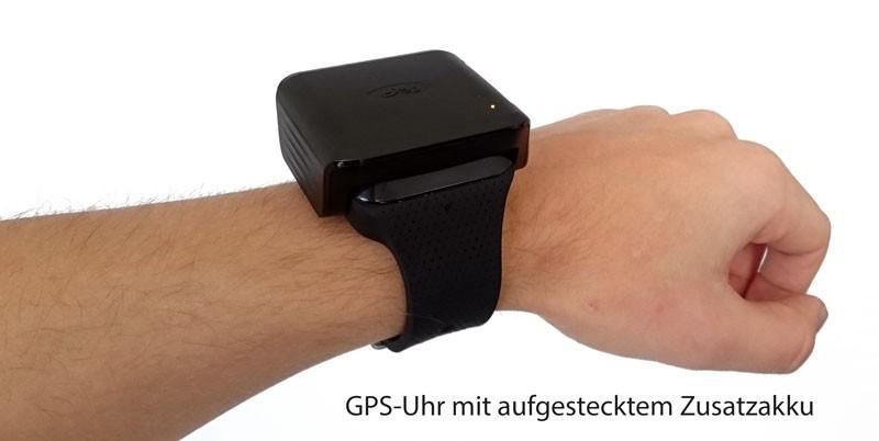 Das Akku-Pack lädt die GPS-Uhr direkt am Handgelenk.